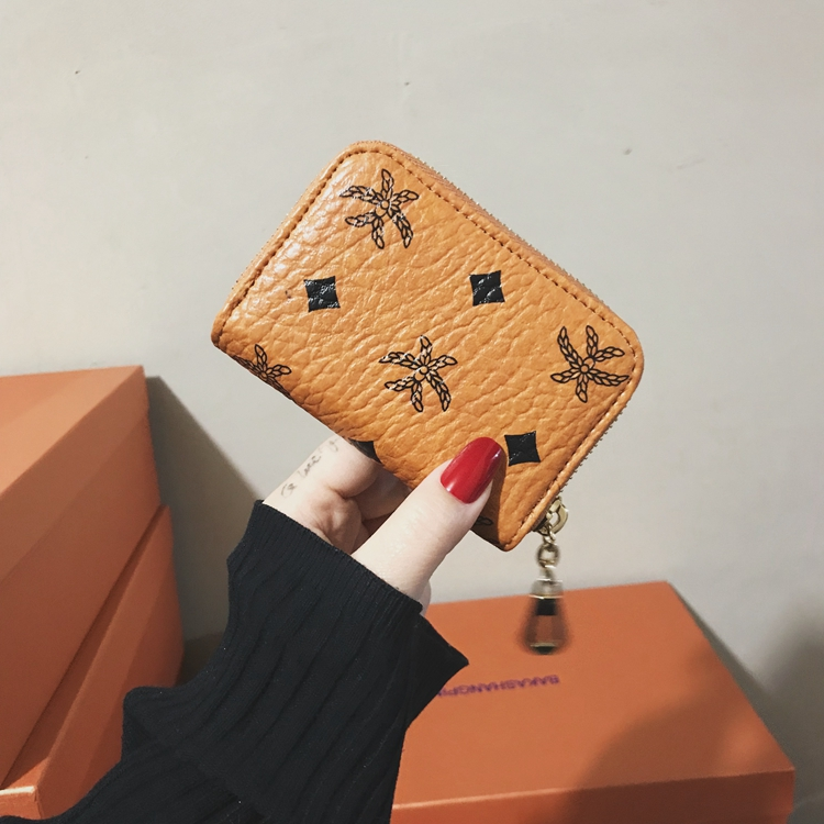 2018 new Korean card bag womens short wallet European and American retro versatile zipper wallet female coin bag