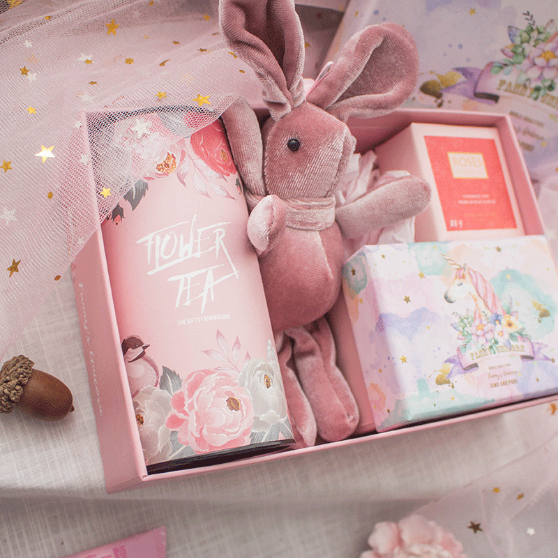 Fannys model Unicorn ins wind happy candy box with hand ceremony wedding return ceremony doll flower tea gift box girl heart