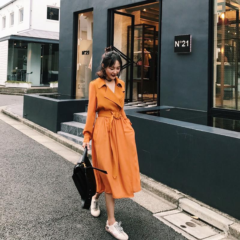 Для momo2017 осень новый корейский длина ветровка женщина весна порт ветер бедро тонкая модель небольшой рост пальто