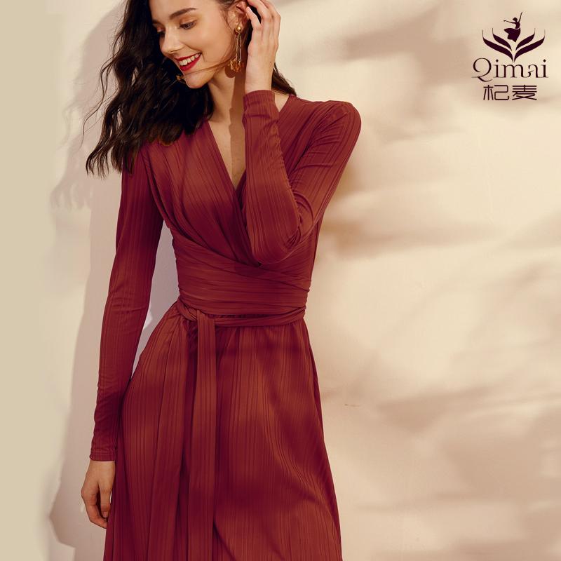 2020秋新款酒红色针织高端连衣裙女气场收腰长袖修身法式复古长裙