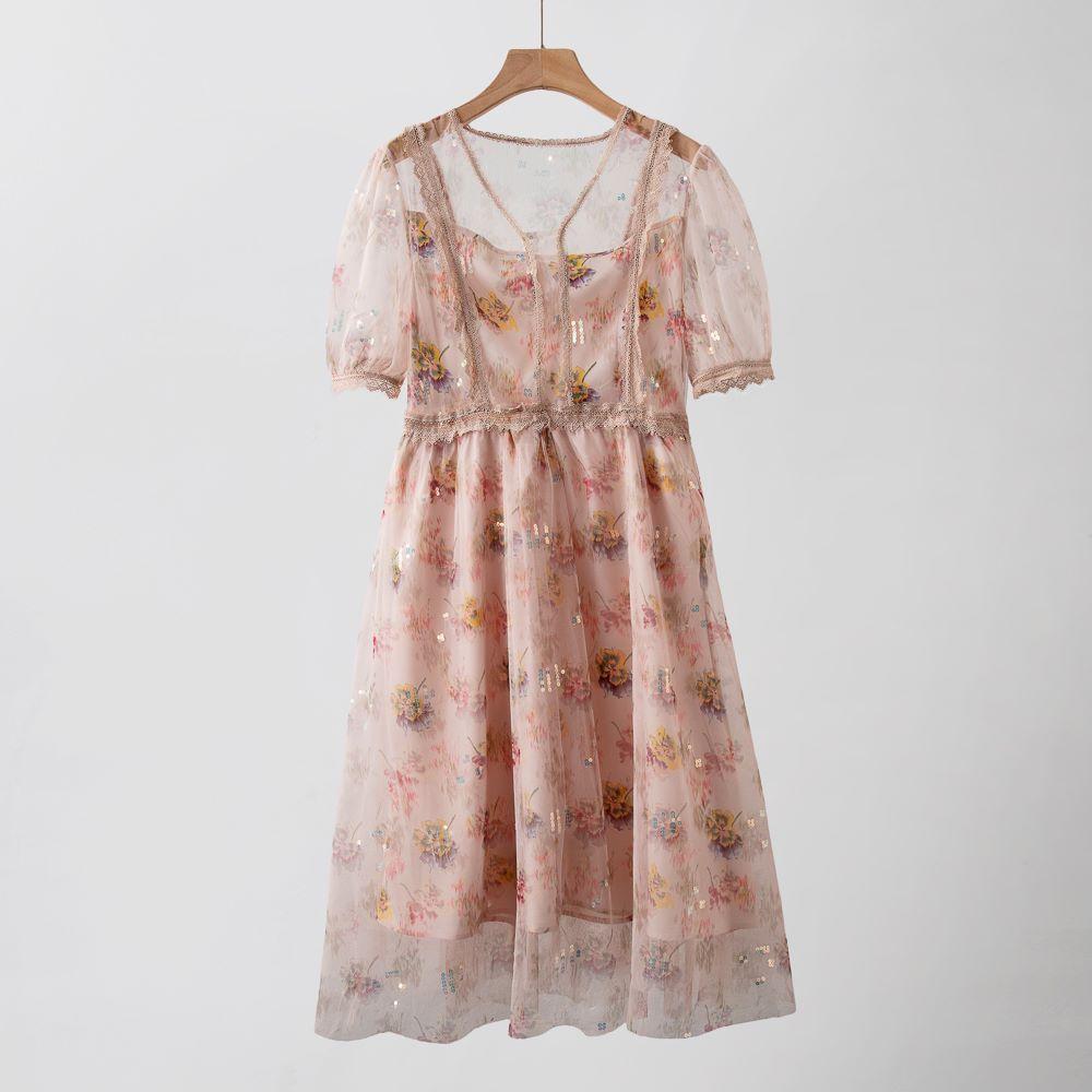 法式显瘦高腰气质2021新款粉色泡泡袖裙子亮片网纱碎花连衣裙女夏