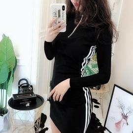 2020新款黑色紧身包裙连衣裙女秋装休闲时尚修身性感气质裙子运动