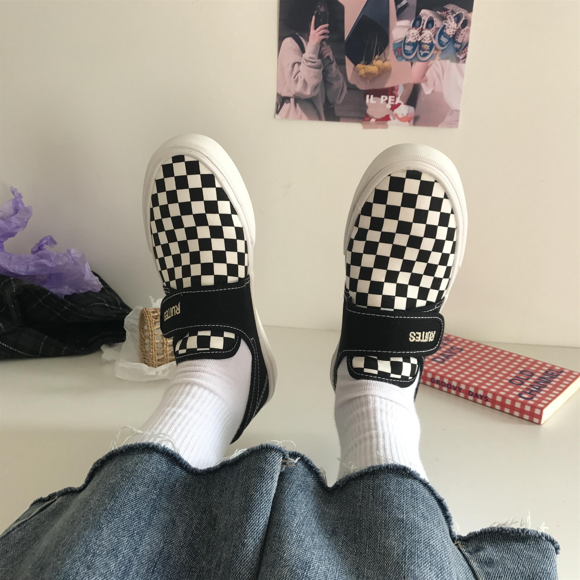 小黄桃ins棋盘格子帆布鞋一脚蹬套脚魔术贴滑板鞋港味街头女鞋夏