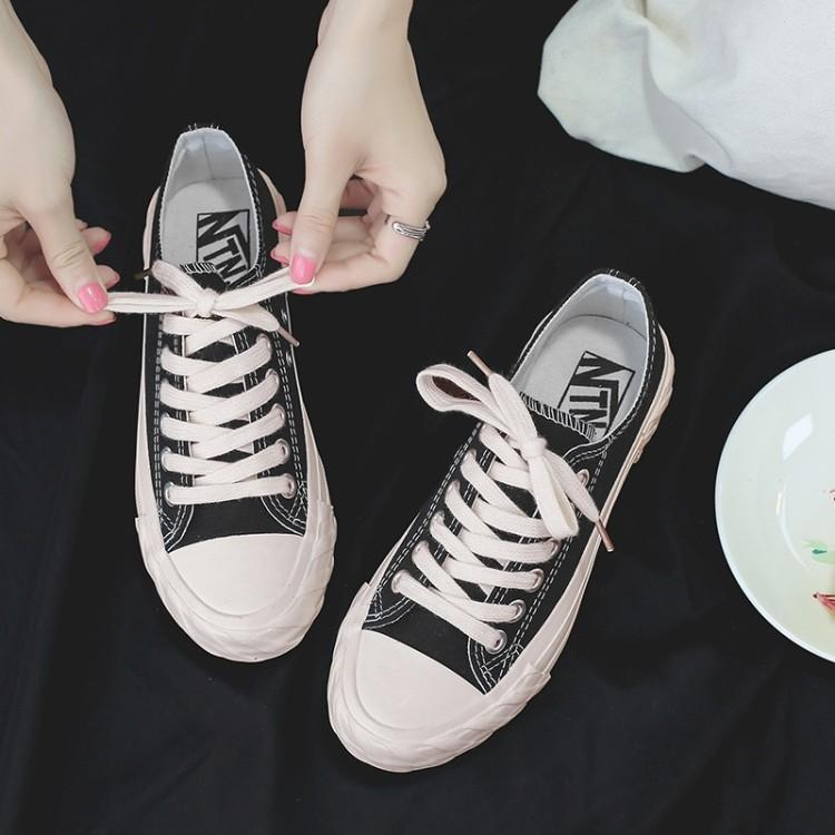 2020 new style canvas shoes with low top and side pattern for female students