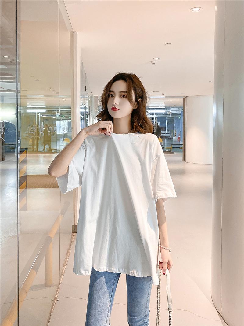 白色宽松中长款百搭破洞短袖T恤 宽松的版型不挑人