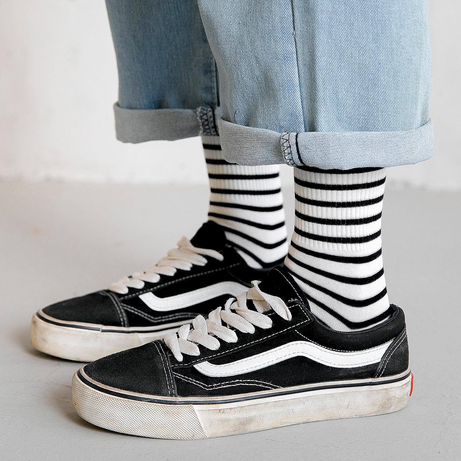 黑白条纹袜子女中筒袜ins潮男韩国薄款夏季韩版ulzzang长筒袜夏天