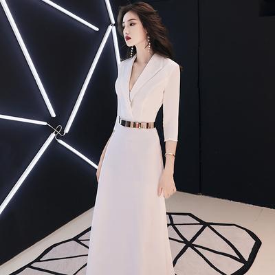 晚礼服裙女2020新款白色干练高端大气主持人优雅简单大方宴会气质