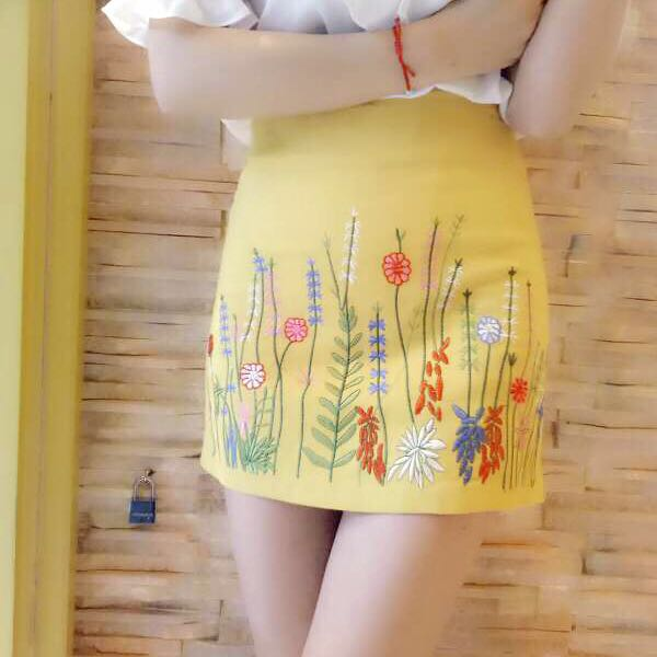 2020 winter heavy industry embroidery grass pattern slim and versatile cotton A-line skirt with buttock skirt and short skirt