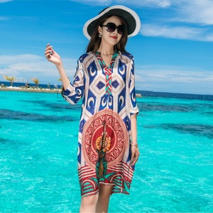 波西米亚中年女泰国普吉岛沙滩裙大码妈妈装海边度假真丝连衣裙夏