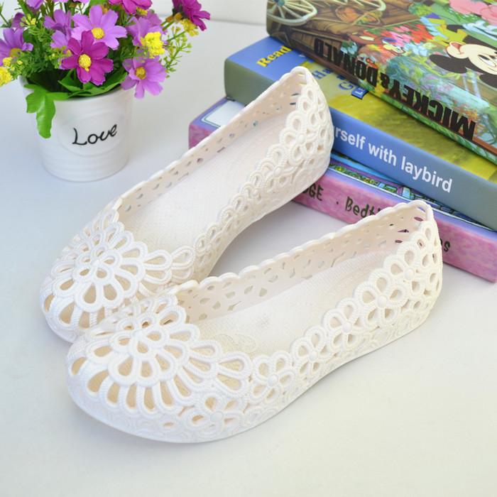 夏季防水镂空工作凉鞋女平底塑料平底鞋柔软白色护士鞋舞蹈鞋