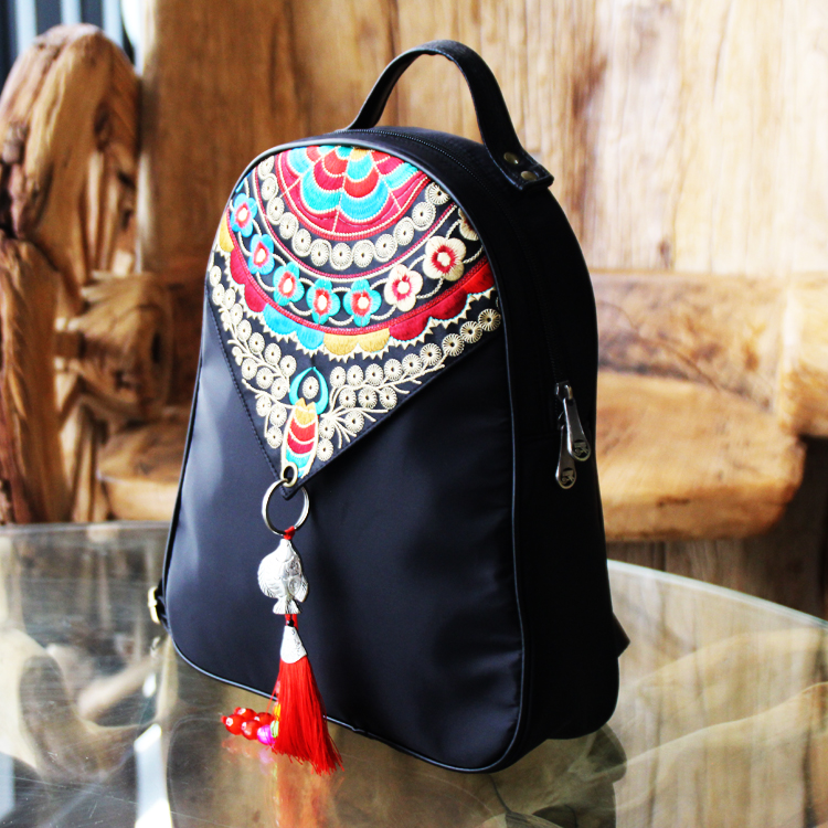 [cloud painting workshop] National Style Embroidered tassel embroidered backpack fashion oxford nylon cloth retro Backpack