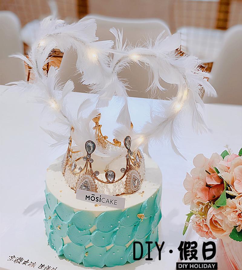 杭州ネットの赤いケーキは小さい仙女の羽のケーキを飾ってプラグインの結婚式の誕生日のデザート台を飾ります。