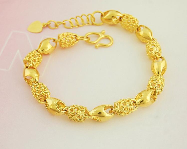 香港珠宝时尚流行款转运珠黄金手链女款黄金手饰运转珠手链女首饰