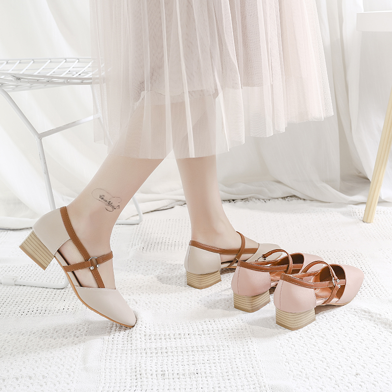 Snow Yierkang sandals womens shoes Baotou fairy wind in summer versatile square head thick heel with a word buckle hollow