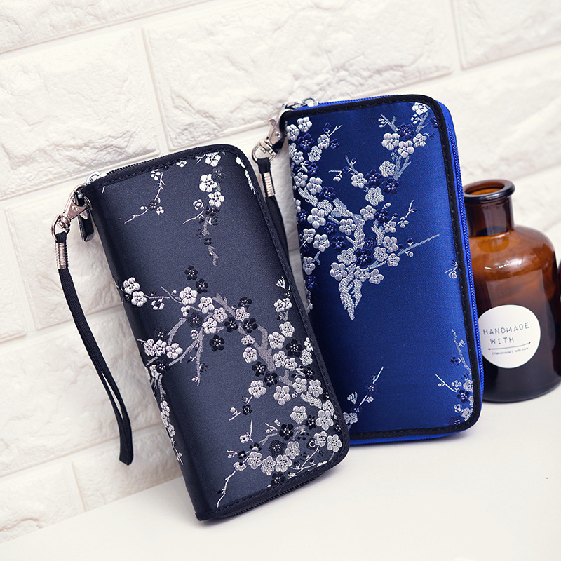 2020 new Chinese style hand embroidered long zipper purse for womens Retro silk face small plum blossom ladys hand bag