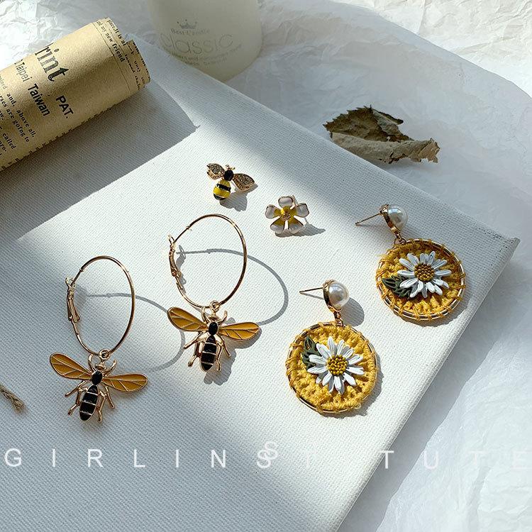 小清新甜美黄色雏菊花朵蜜蜂耳环女气质韩国个性简约百搭耳坠耳钉
