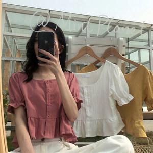 2020年夏季新款方领短款锁骨上衣设计感小众心机泡泡袖短袖衬衫女