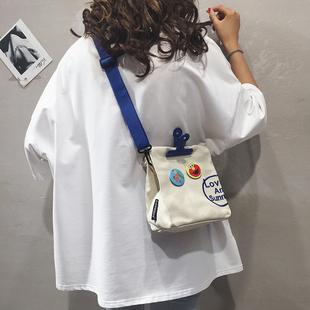 小包包女新款2019夏季帆布单肩斜挎包潮韩版时尚个性少女宽肩带包