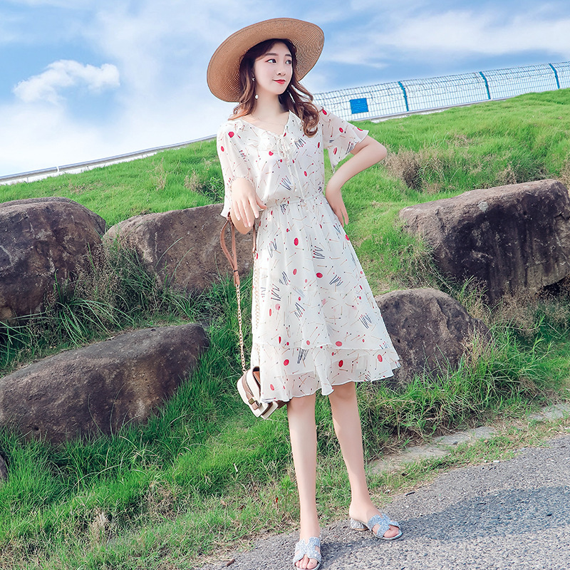 Floral Chiffon dress womens 2020 new summer Korean version medium length dress with slim waist and flared sleeves