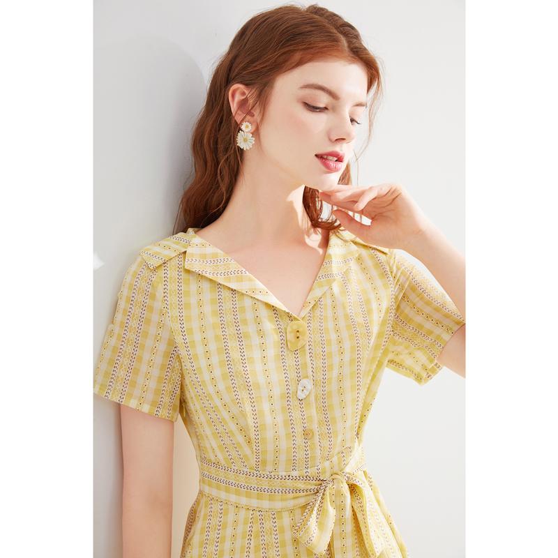 蓝色倾情2020夏女装新款浅黄色格子图案西装领系带连衣裙LS506124