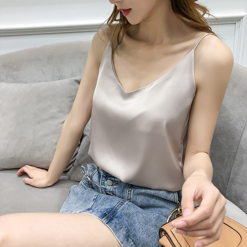 Womens suspender wear elegant vest, Hong Kong Style V-neck Satin suit, bottom coat and sexy top in spring and summer