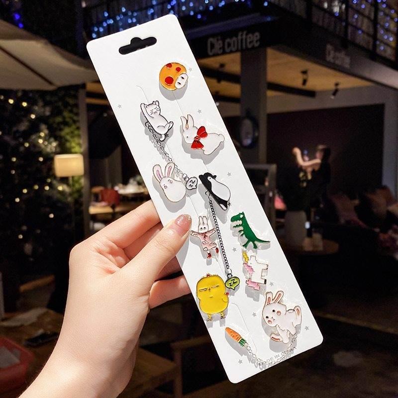 Cute little pin badge anime Japanese girls little fresh Brooch design feeling Forest Department anti light buckle accessories