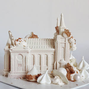 大教堂【冬日奇境】香槟草莓芝士蛋糕