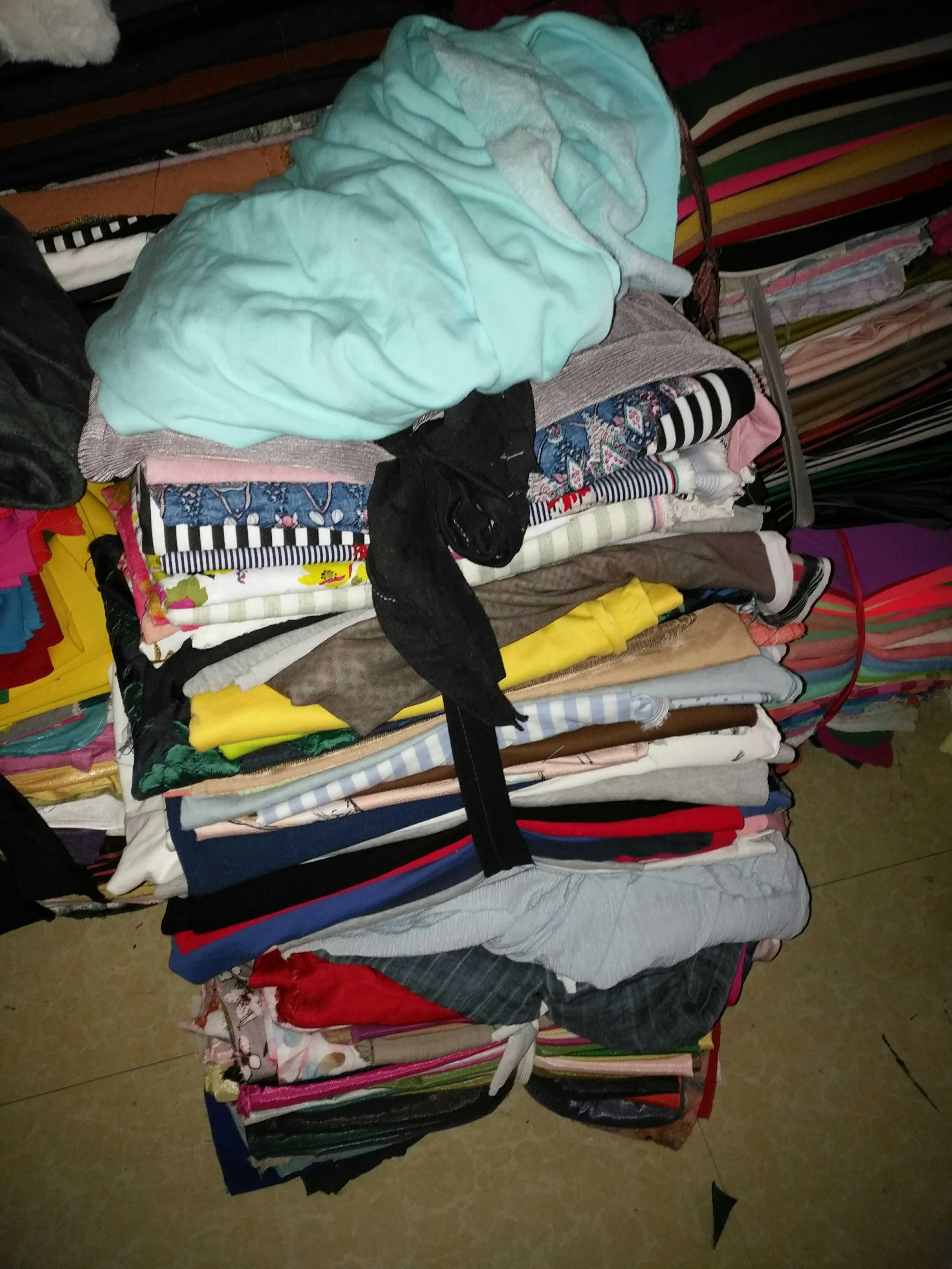 布头清仓处理,练手布头,杂色的花的素的,五斤一包,