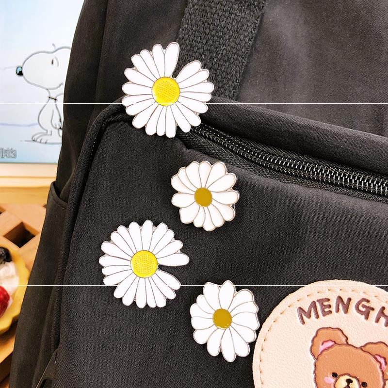 Neckline pin button Brooch clasp pattern accessories anti light fixation small daisy Brooch Necklace shirt personality