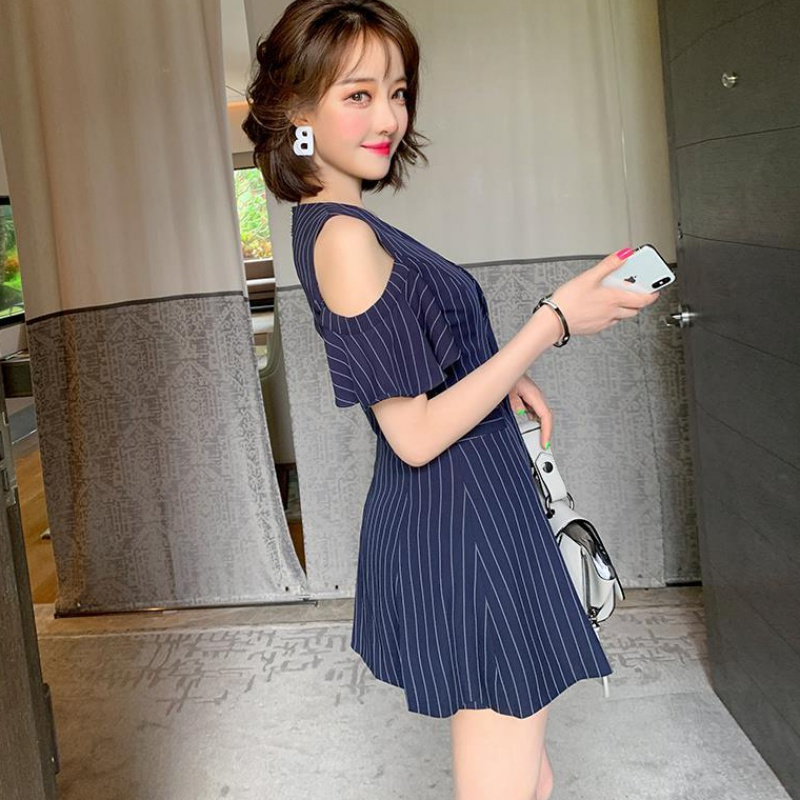 Off shoulder V-neck double breasted suit dress simple shorts temperament stripe skirt childrens new summer 2020