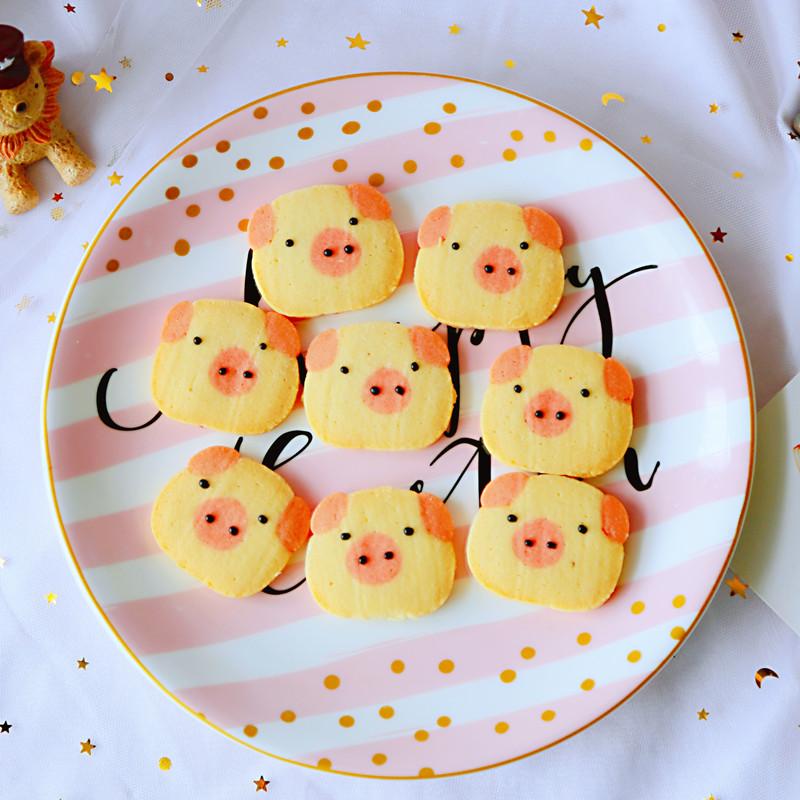 纯手工卡通饼干可爱小猪猪网红曲奇零食甜品台伴手礼自制满月小吃