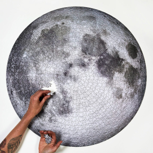 现货 加拿大进口圆形拼图 阿波罗11发射50周年限量版 月球 1000片