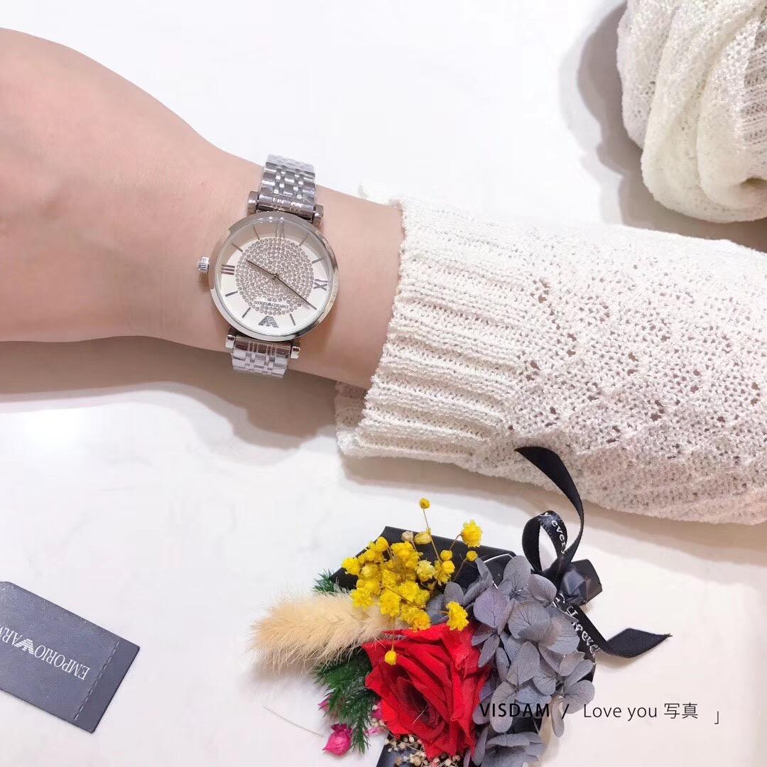 网红手表大表盘满钻名媛时尚橡胶带红唇女表玫瑰金石英表