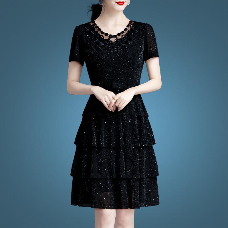 夏季连衣裙性感2019新款夏装女大码女装修身镂空绣花蕾丝裙子显瘦