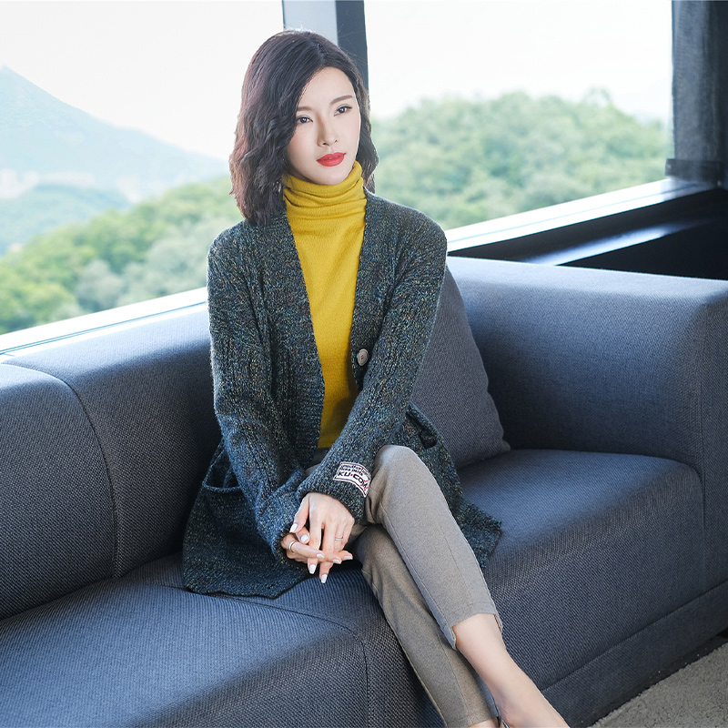 Medium and long knitted cardigan autumn sweater womens coat spring and autumn new 2020 knitted with thick thick needle
