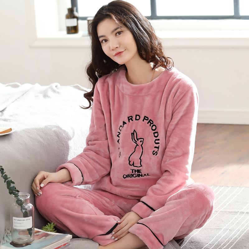 冬のサンゴの绒は厚くて暖かくしてパジャマの女性の长袖の秋の韩国版のかわいいフランネルの女性の住宅服のスーツを温めます。