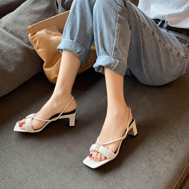 Special counter brand 2021 square head fairy style middle heel thick heel Korean sandals womens one word open toe high heels