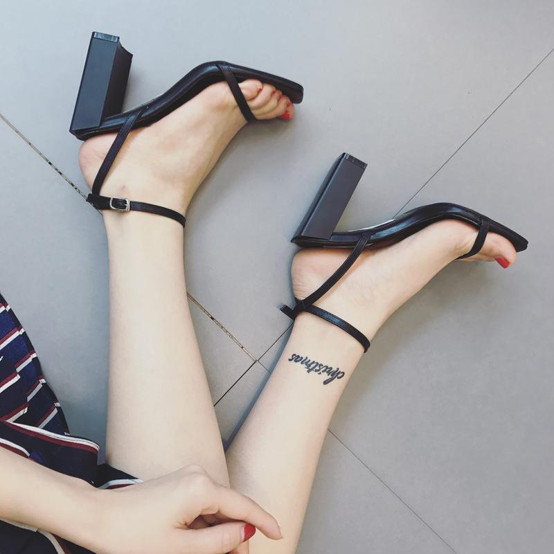 2019新款一字带扣罗马凉鞋女夏粗跟细带百搭露趾方头小清新高跟鞋