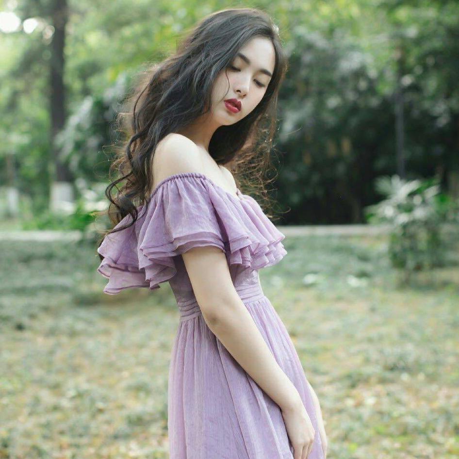 爱诗里AISHILI自制三层荷叶边一字肩圆领两穿重工紫色连衣裙人气