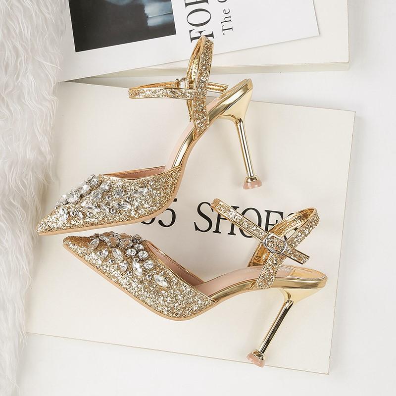 欧美闪亮亮宴会高跟鞋女显瘦亮片凉鞋女婚纱鞋红色婚鞋水钻猫跟鞋