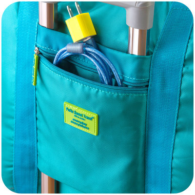 The bag on the trunk bar can be expanded and put on the luggage trolley case. The travel storage bag is easy to fold and large