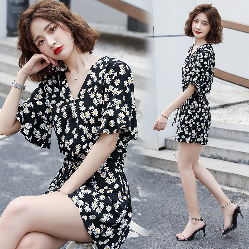 Fashionable short sleeve Daisy Print Chiffon Jumpsuit short pants loose casual summer new womens Jumpsuit