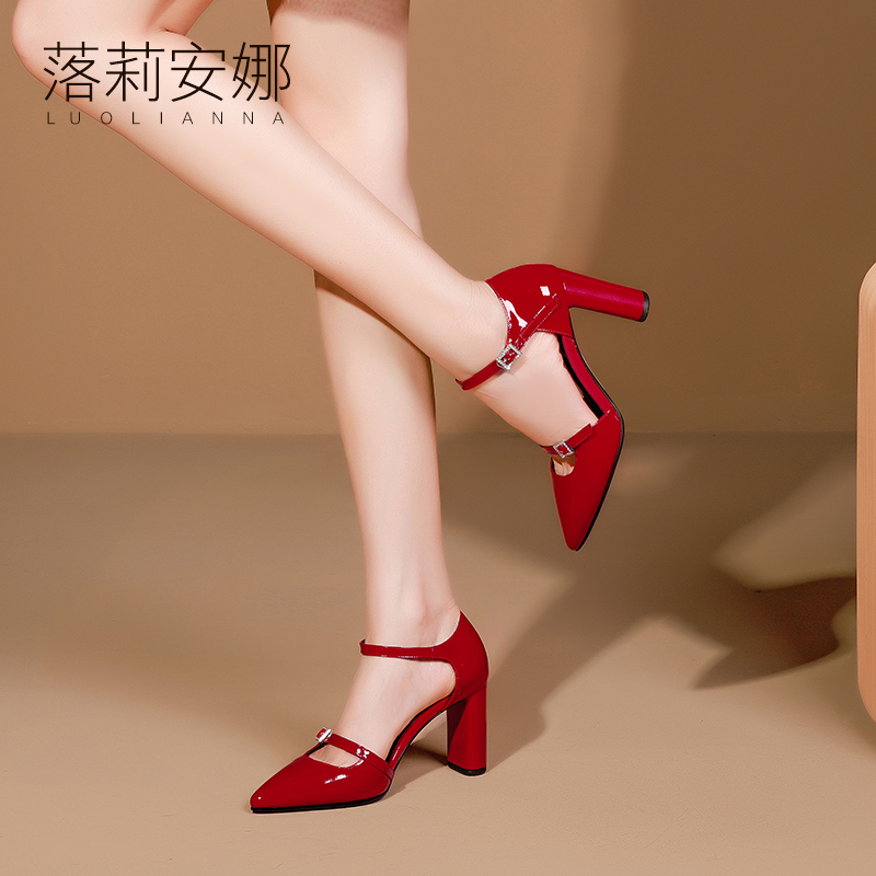 Red Lacquer Headed Sandals Women Summer 2019 New Spiked Hollow Four Seasons Shoes with One Word Button Rough heels