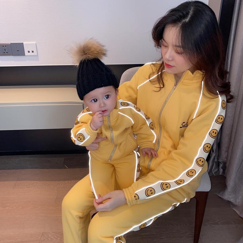 亲子装秋冬装洋气加绒加厚2020新款母女母子装运动套装婴儿服童装