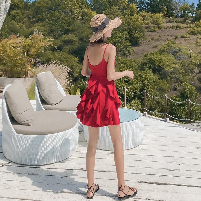129.00元包邮红色连衣裙女性感露背吊带裙小个子超仙三亚巴厘岛沙滩裙海边度假