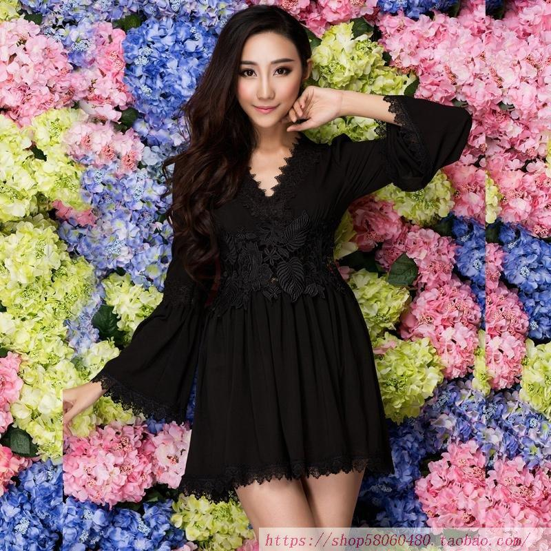 V-neck dress with flared sleeves, new boutique cotton and lace, beautiful and slim, Korean version black dress Fairy