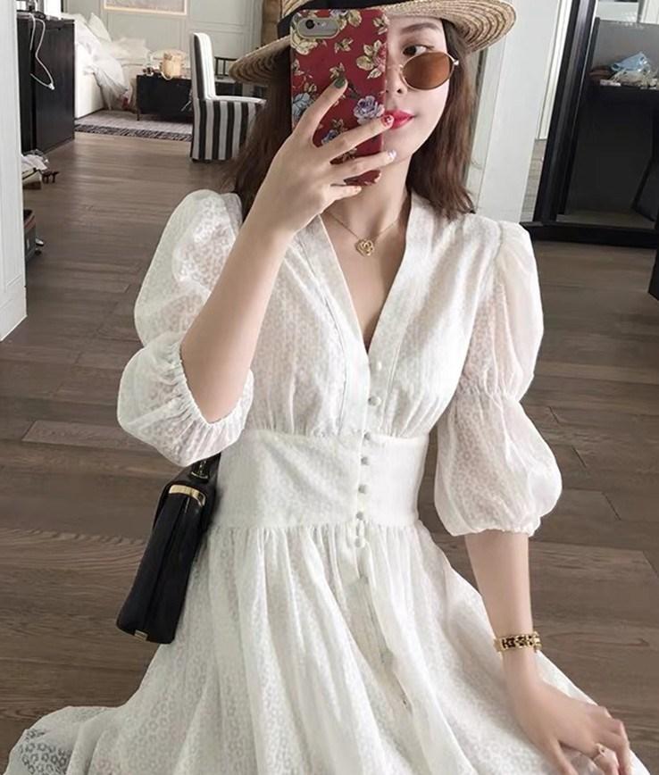 白色连衣裙女仙气质名媛显瘦超仙甜美V领大码很仙的收腰裙子夏款10月16日最新优惠