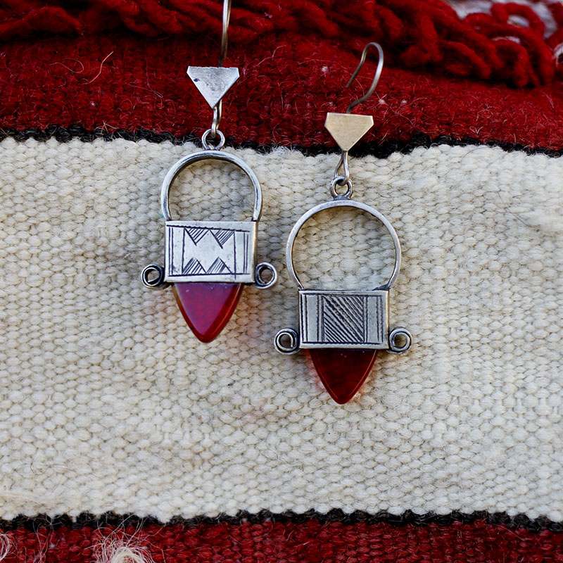 [sold out and appreciated], [oak Morocco] Berber tribe geometric style hand-made Agate Earrings