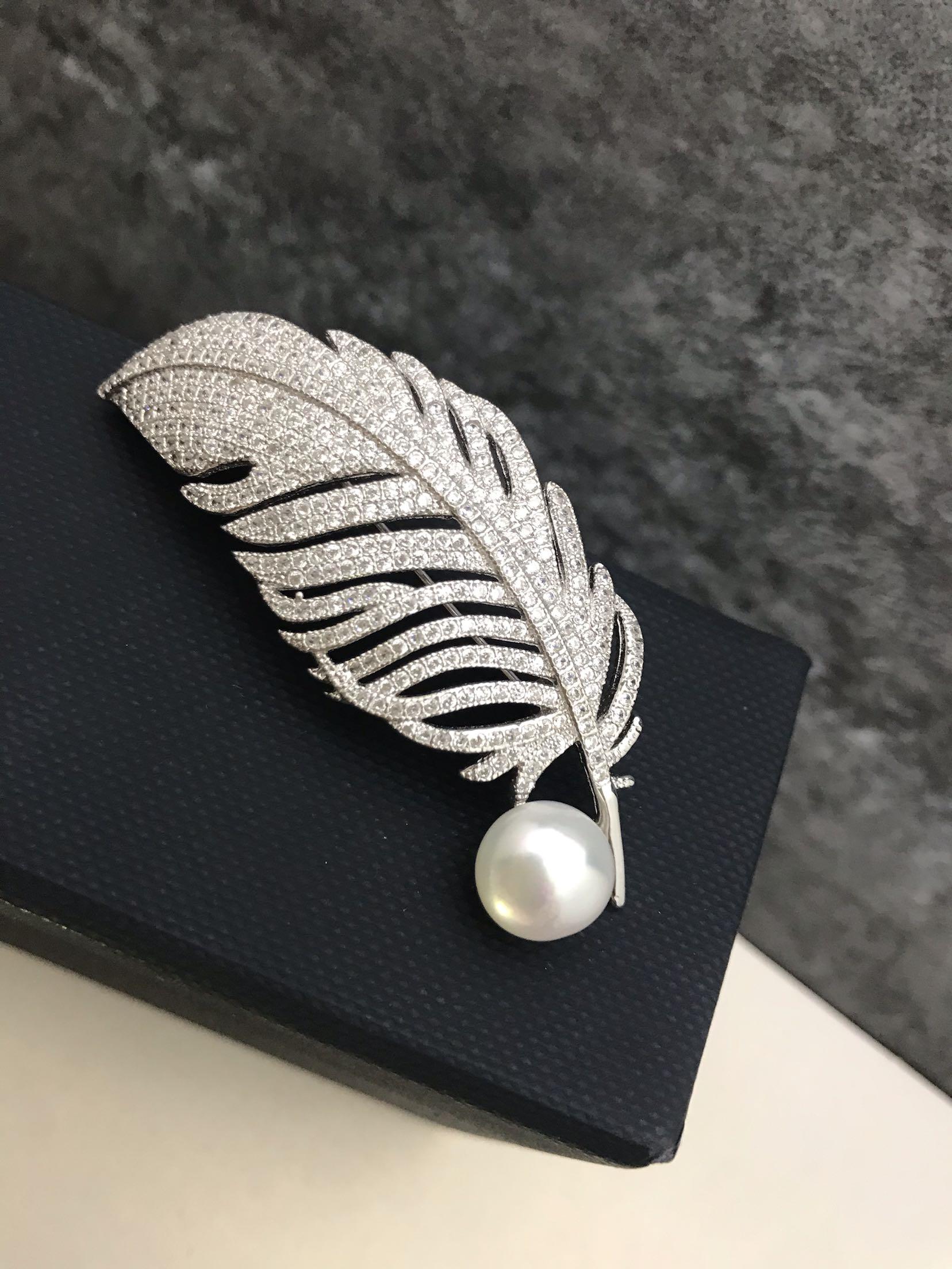 2021新款女款925纯银银饰淡水珍珠羽毛微镶重工胸针