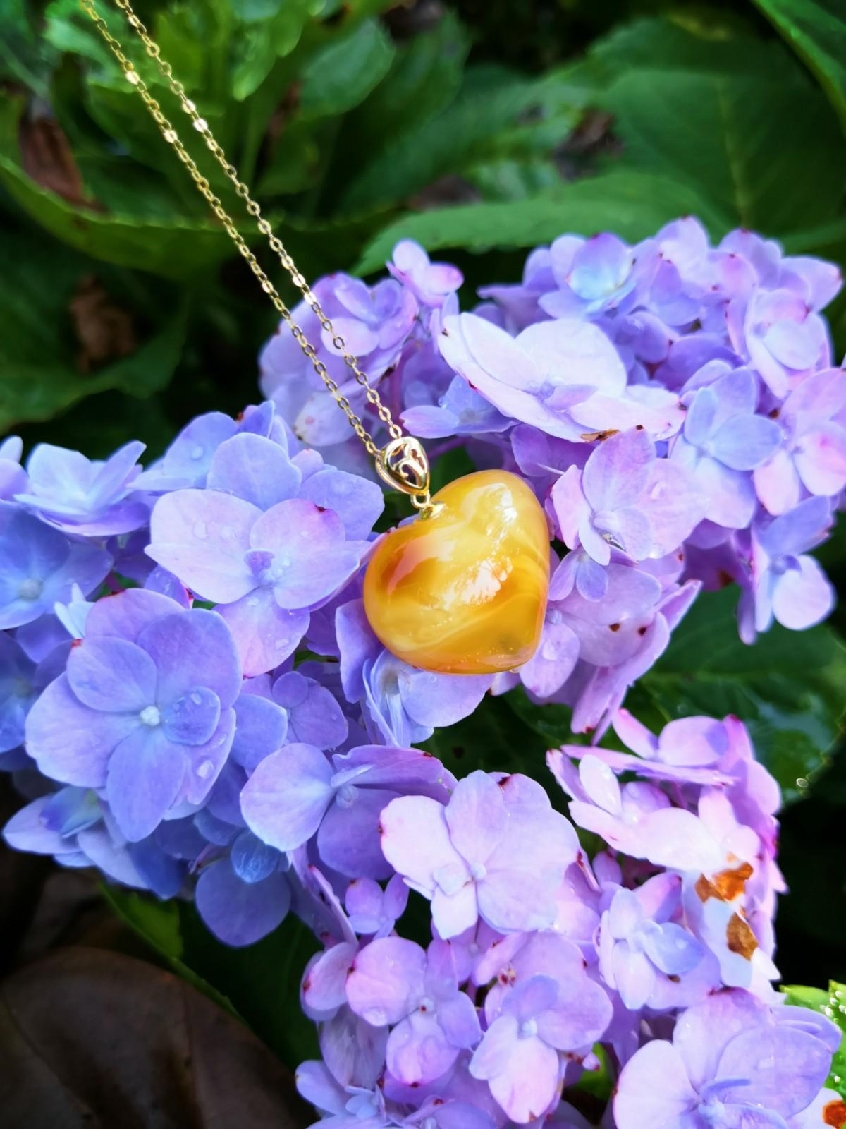 ワックスのペンダントネックレス女性のペンダントセーターのチェーンの規格品の短い鎖骨の古い蜜の宝石のアクセサリーはアクセサリを郵送します。